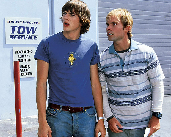 DUDE, WHERE'S MY CAR, Ashton Kutcher, Seann William Scott, 2000. TM and Copyright © 20th Century Fox Film Corp. All rights reserved. Courtesy: Everett Collection. Original Filename: MSDDUWH_FE008_H.JPG